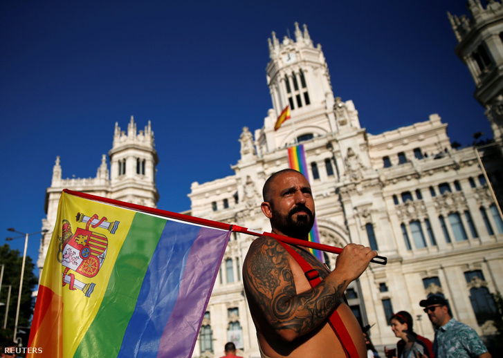 2016-07-02T194127Z 843876668 S1AETNHWYXAB RTRMADP 3 SPAIN-LGBT