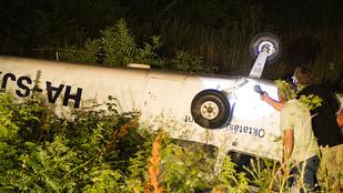 Túlfutott és árokba borult egy gép a Farkashegyi repülőtéren