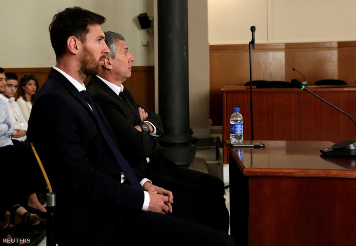 Messi július 6-án a tárgyalóteremben.