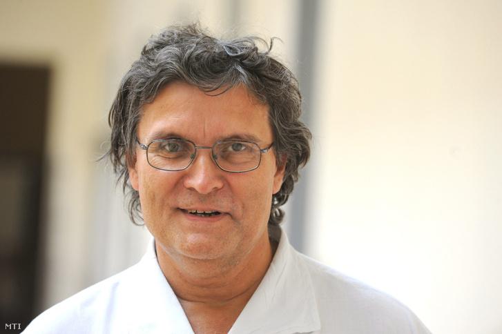 Dr. Hangody László