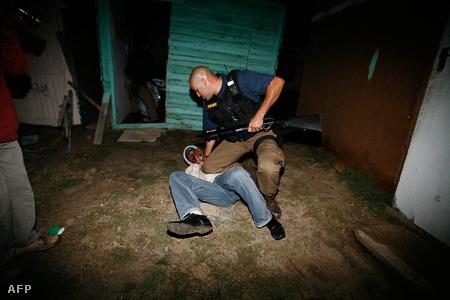 A rendőrség egyre erőszakosabb