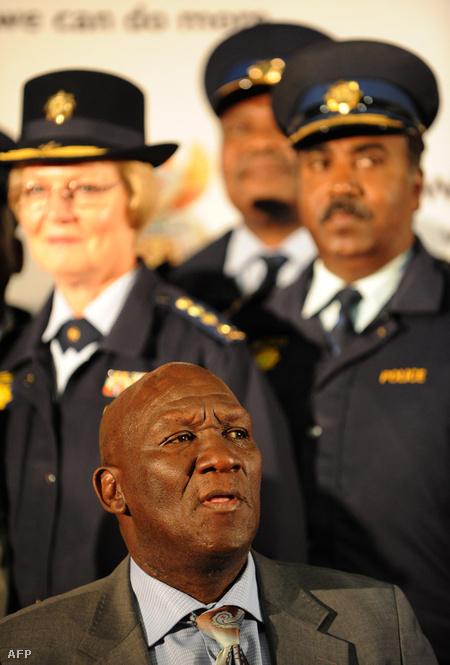 A cowboynak is nevezett Bheki Cele rendőrfőkapitány