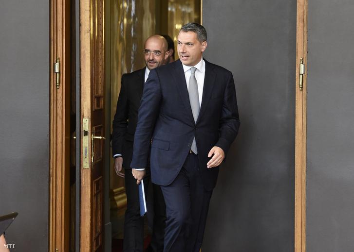 Lázár és Kovács érkeznek a kormányinfóra