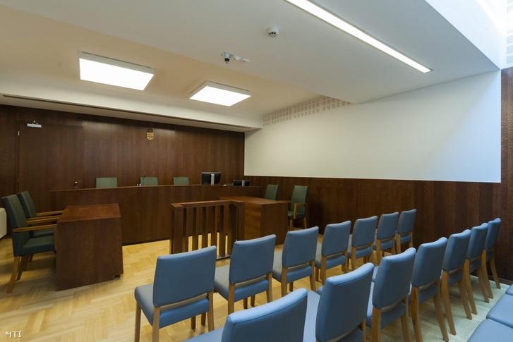 Tárgyalóterem a Debreceni Járásbíróság épületében