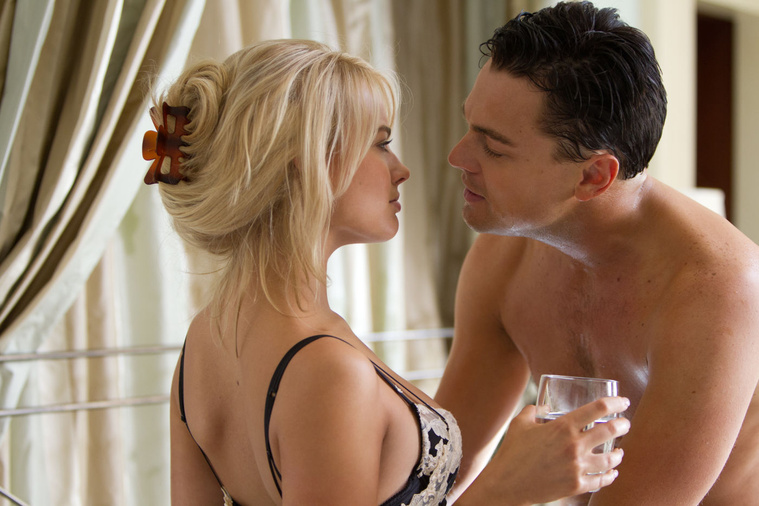 Margot Robbie a Wall Street Farkasában Leonardo Dicaprióval