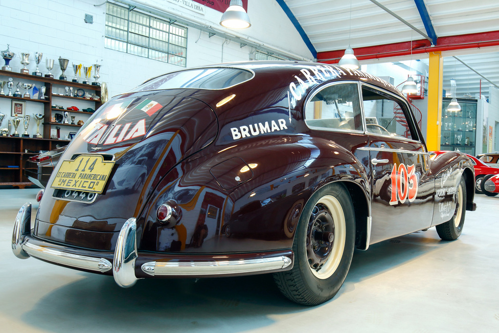 Egy hasonló kocsival Piero Taruffi negyedik lett a futamon. A nagyjából 90 lóerős gépek a hosszú egyenes szakaszokon nem tudták felvenni a versenyt a sokkal nagyobb hengerűrtartalmú amerikai kocsikkal, de kanyargósabb utakon mindig sokat javítottak.