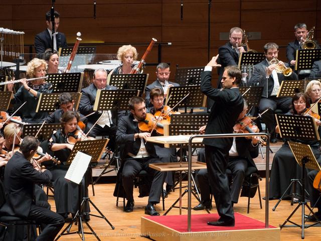 Bogányi Tibor vezető karmester