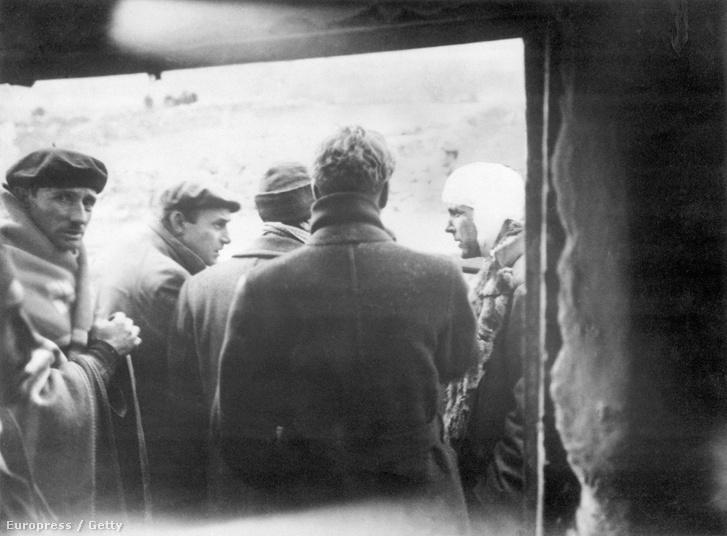 Philby spanyol katonák között