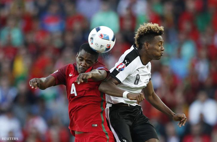 William Carvalho és David Alaba a portugál-osztrák meccsen