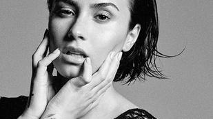 Élénk fenékrázással melegített be koncertjére Demi Lovato