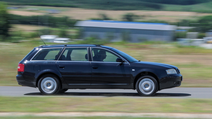 Tisztességes méretű családi autó és nem több az alapmotoros Audi A6