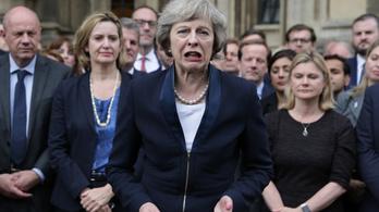 Drága Brit Kisgyerek, ha tovább hisztizel, kihúzod a gyufát