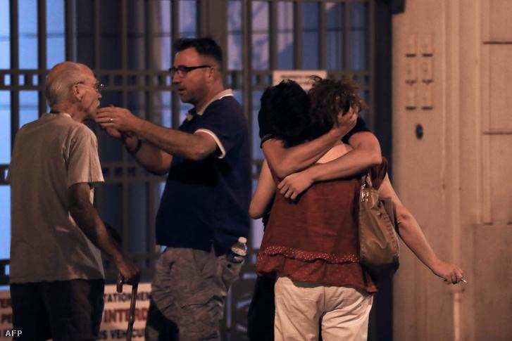 Hetvenhét ember halt meg, és több mint száz sebesült meg a terroristaakcióban.