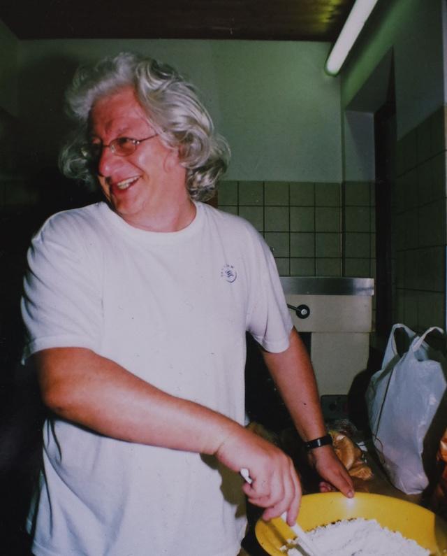 Esterházy Péter főz