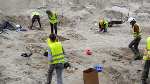 Bombát találtak a József nádor téren