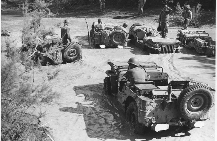 Willys MB-k Olaszországban 1944. július 9-én