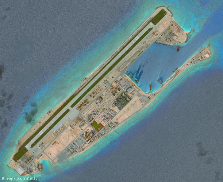 Mesterséges sziget a Dél-kínai-tengeren