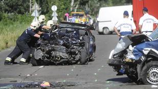 Több autó ütközött össze Budapesten, a Keresztúri úton
