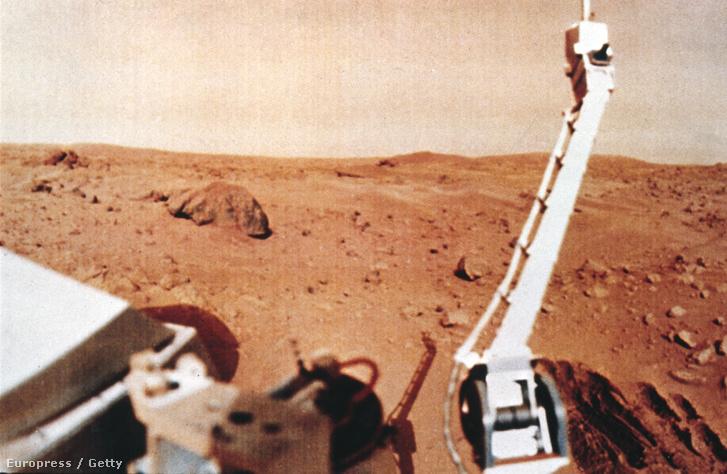 A történelmi küldetés célja a marsi légkör és talaj összetételének vizsgálata volt, na meg persze a kutatás az élet nyomai után