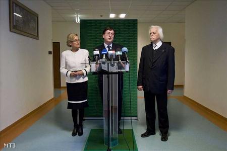 Dávid Ibolya, Roszík Gábor evangélikus lelkész és Katona Tamás történész