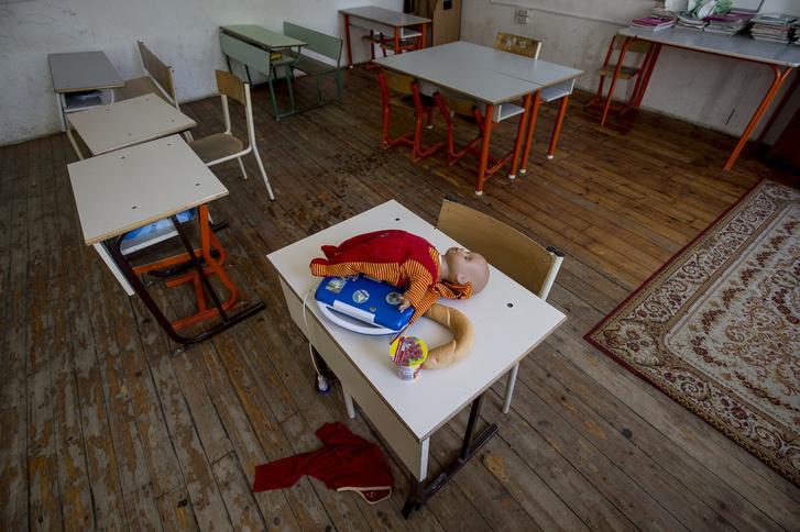 Az utolsó használatban lévő tantermek egyike a csobánkai iskolában