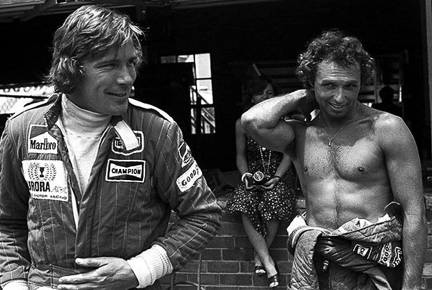James Hunt és Jochen Mass, amikor csapattársak voltak