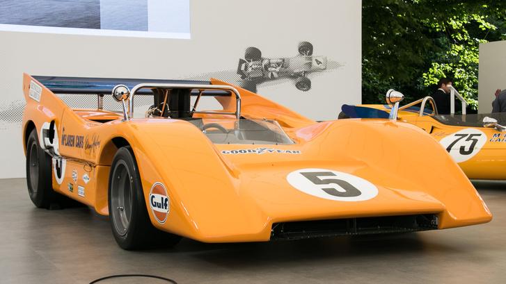 Az M8D Can-Am autó volt, ami nagyon szabad szabályrendszert jelentett akkoriban. Bruce ilyenben halt meg 1970-ben, majd Dan Gurney nyert helyette a versenyen