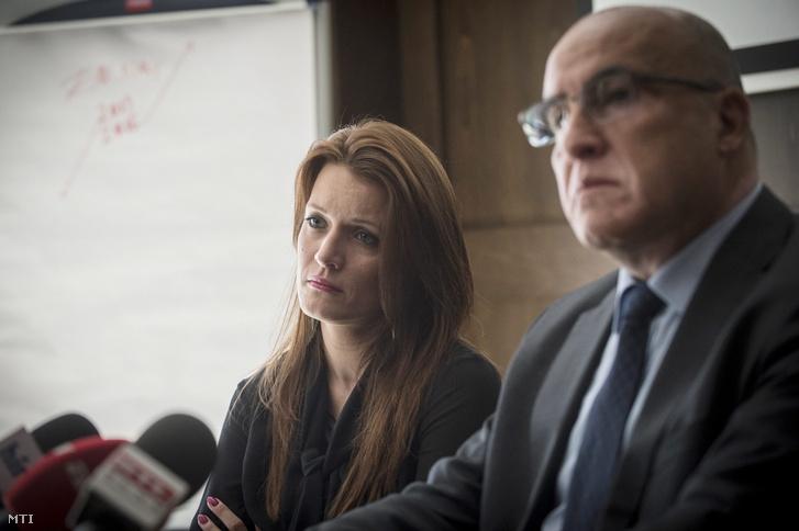 Cséplõ Petra a Zsolnay Porcelánmanufaktúra Zrt. igazgatóságának elnöke (b) és férje a szír-svájci Bachar Najari