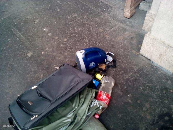 A pályaudvaron talált gyanús csomag.
