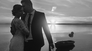 Esküvő a Seychelle-szigeteken? Ugyan, itt a Balaton!