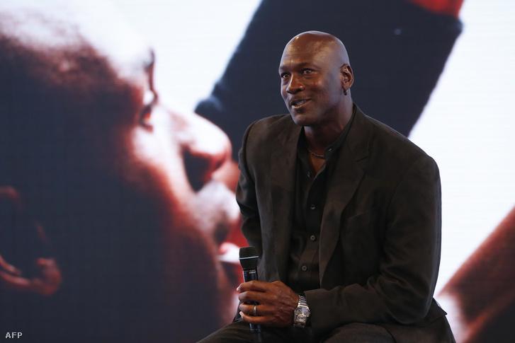 Michael Jordan a Jordan márka 30. évfordulójának kapcsán rendezett sajtótájékoztatón, Párizsban, 2015. június 12-én.