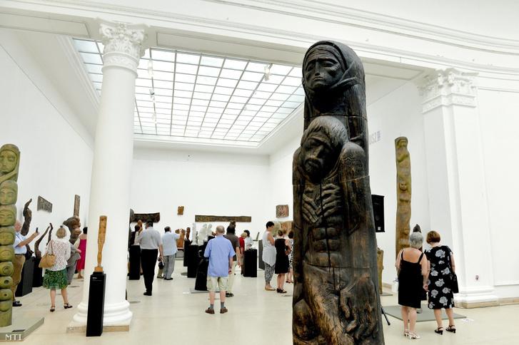 Két szobrász, két nemzedék - megnyílt a Műcsarnok Szervátiusz-kiállítása