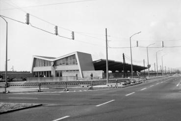 Így nézett ki a tér, az új metróvégállomással 1970-ben
