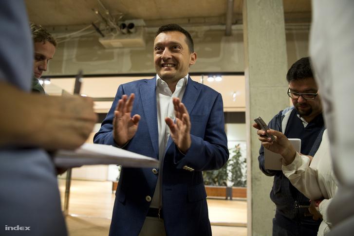 Rogán Antal a 2014-es önkormányzati választások eredményváróján.
