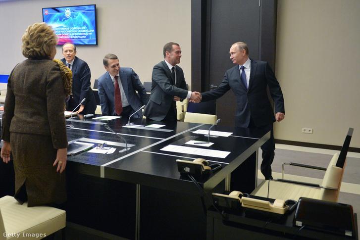 Vlagyimir Putyin nemzetbiztonsági bizottság ülésén.