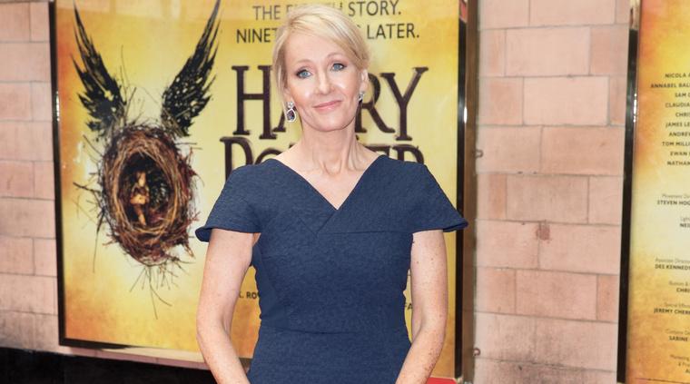 2016. június 30. – A Harry Potter és az elátkozott gyermek című színdarab ősbemutatója Londonban.