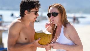 Lindsay Lohan annak ellenére hordja jegygyűrűjét, hogy pasija más nővel nyomul