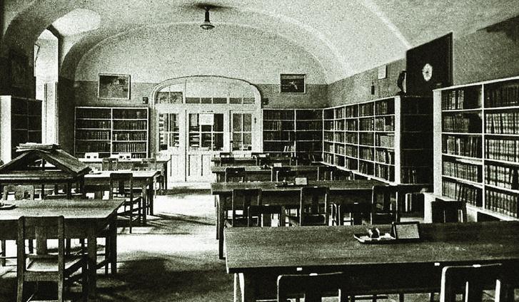 Deák Ferenc könyvtár, az első budapesti nyilvános bibliotéka olvasóterme 1913-ban