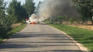 Lángokba borult egy autó Dunavarsánynál