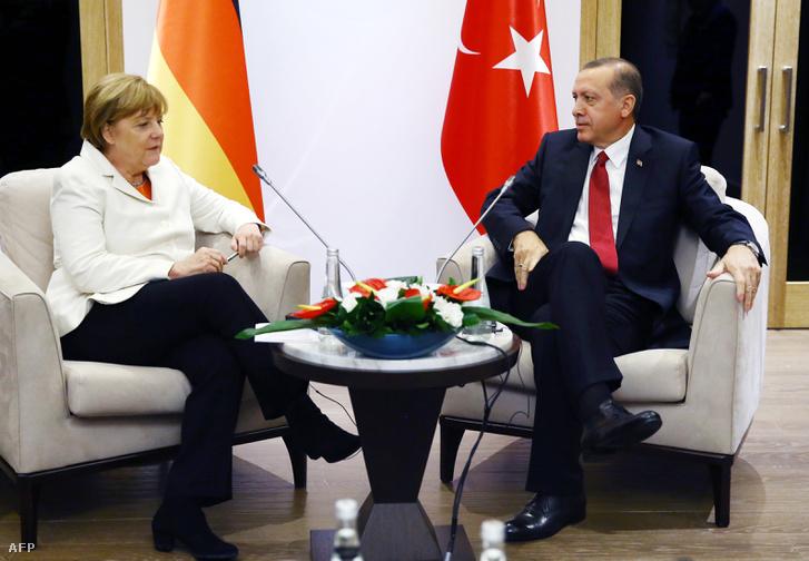 Merkel és Erdogan 2015. november 16-án