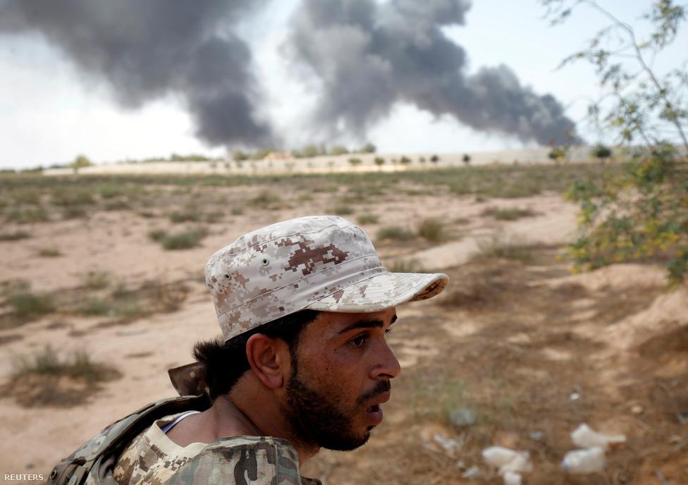 Az amerikai légicsapások, kommandósok, kiképzők és fegyverek segítségével az egységkormánynak valószínűleg sikerül felszámolnia az IS líbiai tartományát. Azonban ahogy Irakról vagy Szíriáról, úgy Líbiáról is elmondható: az Iszlám Állam csak tünet. Az ország stabilitásához, a szélsőségesek kiszorításához a győzelem csak az első, nem is túl nagy lépés.