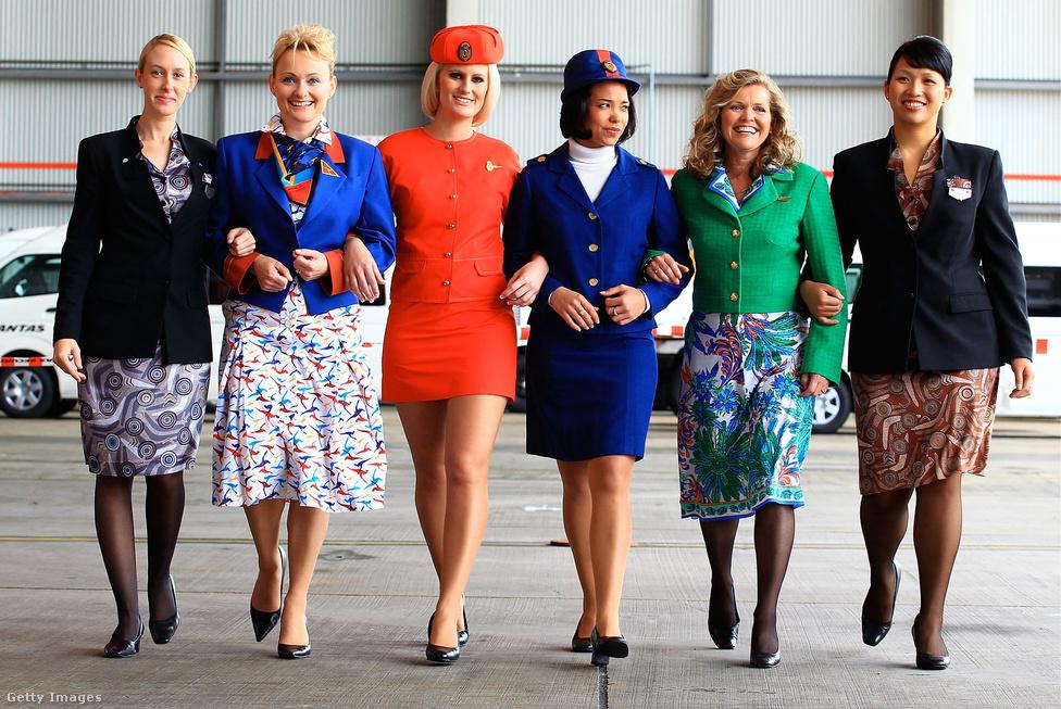Az ausztrál Quantas légitársaság utaskísérői mutatják be a cég 90 éves történetében használt egyenruhák legjobb darabjait 2010-ben, Sydneyben. Tetszik emlékezni a Rain Man című filmre? Abban hangzott el, hogy a Quantas a világ legbiztonságosabb légitársasága. Ez a mai napig így van. az elmúlt 40 évben toronymagasan ők voltak a legjobbak.