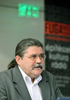 Kovács Zoltán, az Élet és Irodalom főszerkesztője