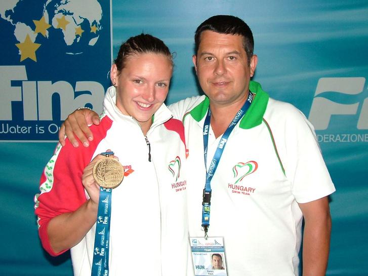Hosszú Katinka és Pass Ferenc az úszónő első vb-aranyával 2009-ben. Lőrinczi Csaba fotója