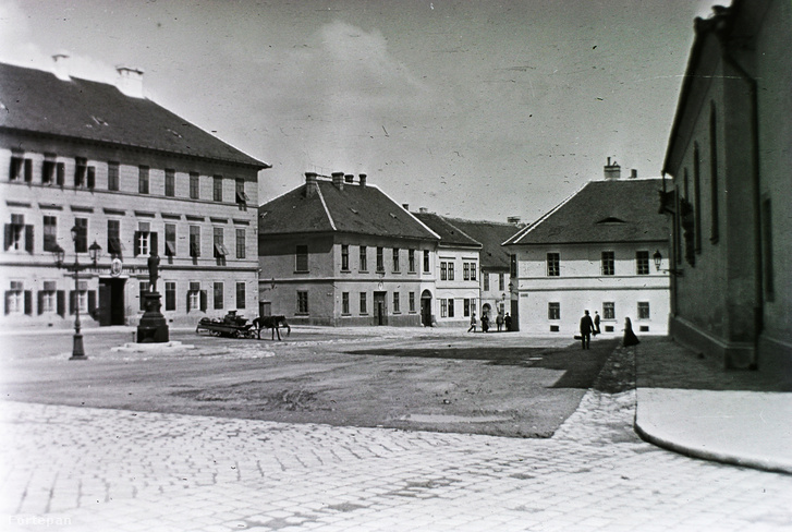 A Kapisztrán tér 1912-ben.