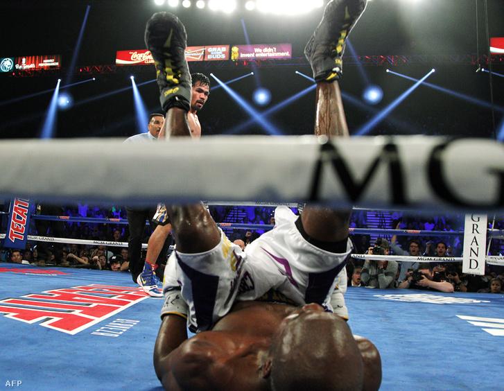 Manny Pacquiao padlóra küldte áprilisban Timothy Bradleyt Las Vegasban