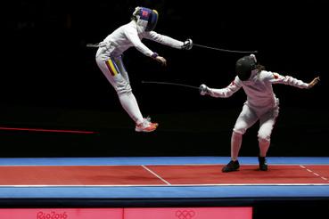 Román olimpiai aranyéremmel zárult női párbajtőrözők csapatversenye Rióban csütörtök éjjel, a címvédő és tavaly világbajnok kínaiakat verték meg.