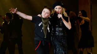 Madonna vett egy szülinapi piercinget a fiának, aztán elváltak