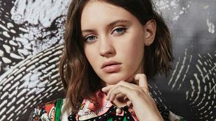 Na melyik híres színész 15 éves lánya modellkedik a Vogue-ban?