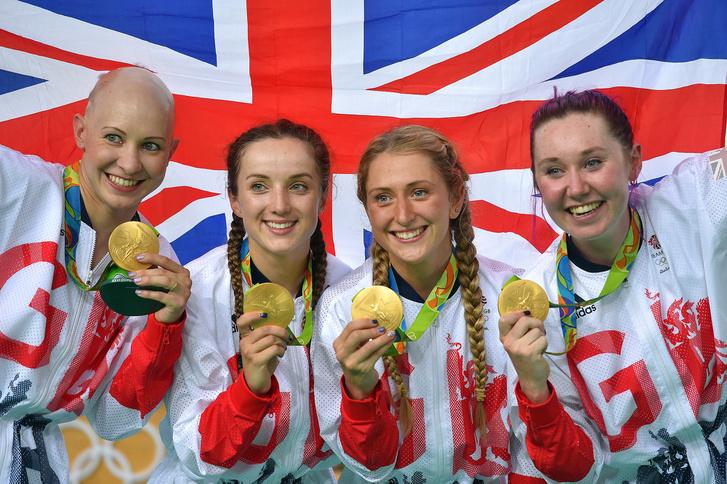 Női pályakerékpár csapat az aranymedállal